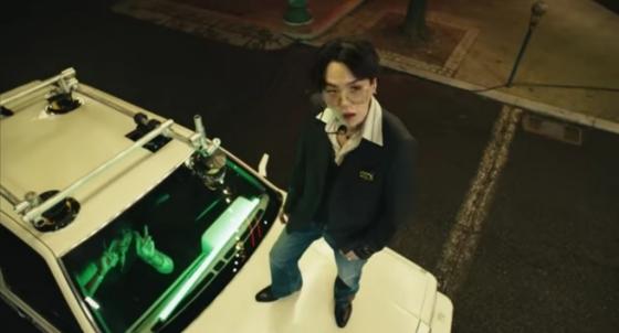 '에버랜드 실트 1위·성지 등극?' 방탄소년단, 아갓탤 무대 영상 등장