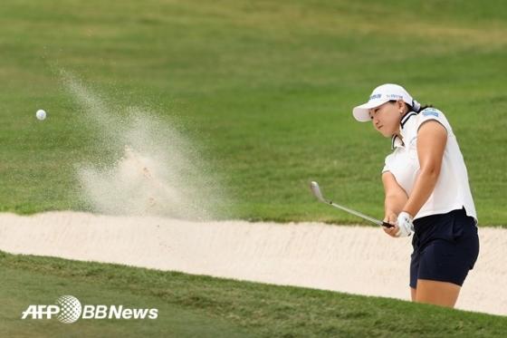 이미림이 지난 13일(한국시간) ANA 인스퍼레이션 3라운드 9번홀에서 칩샷을 하고 있다. /AFPBBNews=뉴스1