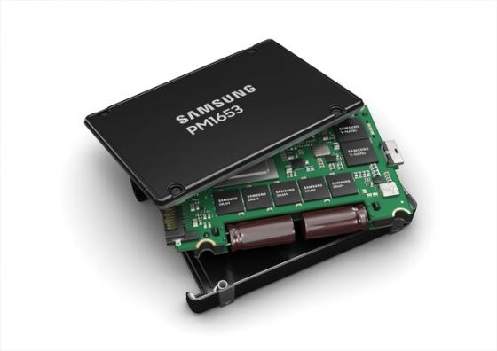 삼성전자, SAS 표준 최고성능 서버용 SSD 'PM1653'