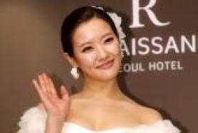 '3월신부' 호란 결혼식 기자회견