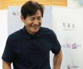 안성기, '투표 마친 멋진 유권자'