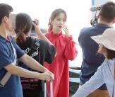 김소현, '여행객 시선 붙잡는 미모'