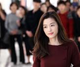 전지현, 시선 사로잡는 미모