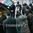 故 김지영, '슬픔 속 발인'