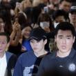 엑소, '여전히 공항 마비시키는 인기'