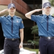 최시원-최강창민, '각 잡힌 거수경례'
