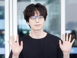 이동욱, '안경을 써도 눈에 띄는 잘생김'
