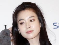 한효주, '머리만 넘겨도 흐르는 예쁨'