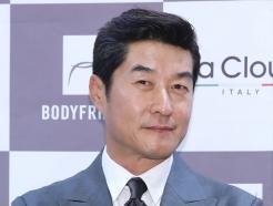 김상중, 중년의 멋!