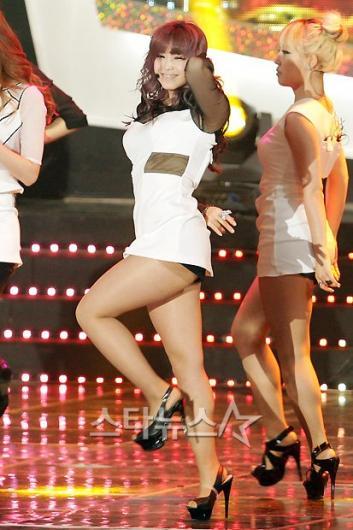 [★포토]효성, 아찔한 댄스!