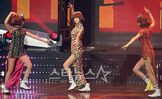 [★포토]오렌지캬라멜, 아름다운 중국 댄스~