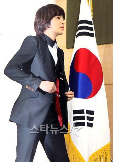 [★포토]장근석, '대한민국 핵 안보를 위한 발걸음'