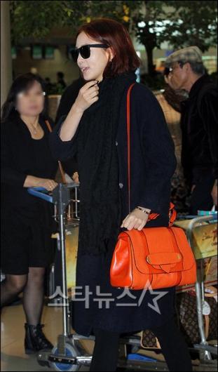 [★포토]한예슬 '공항패션은 가방이 포인트!'