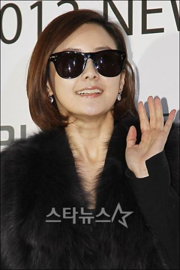 [★포토]최정윤 '결혼 후 더 예뻐졌네~'