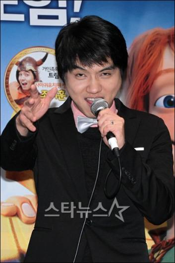 [★포토]조지훈 '무대인사도 코믹하게~'