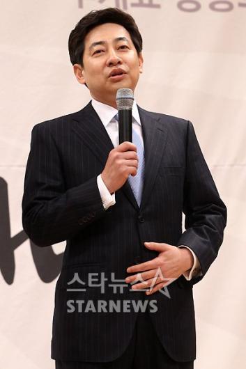 [★포토]김성준 '생생하게 전달하겠습니다'