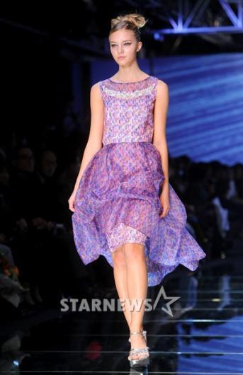 [★포토]셔링으로 포인트 준 연보랏빛 드레스