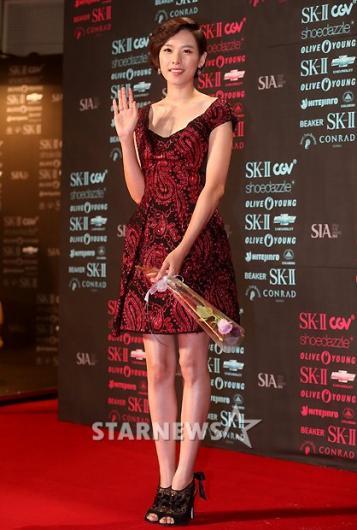[★포토]조윤희, '붉은 드레스로 멋 냈어요'