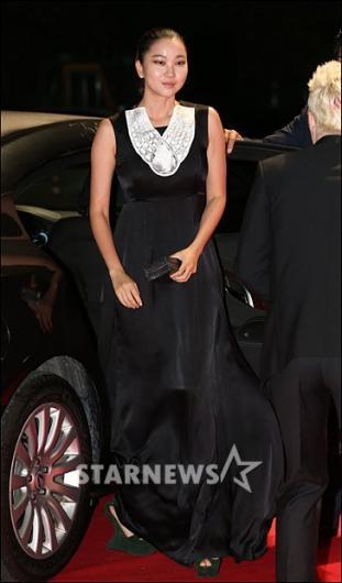 [★포토]장윤주 '블랙 롱 드레스 잘 어울리죠?'
