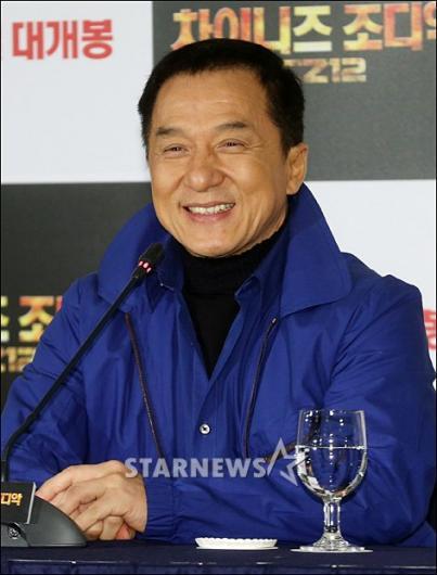 [★포토]성룡 '미소 여전하죠?'
