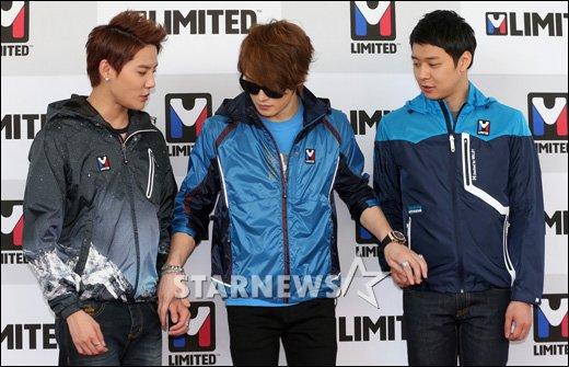 [★포토]JYJ '손 잡고 들어갈까?'