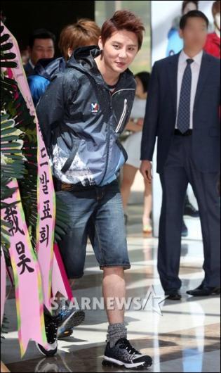 [★포토]김준수 '반바지 입고 왔어요'