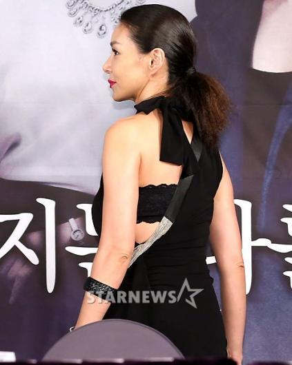 [★포토]김혜리, '뒤가 더 섹시하죠?'