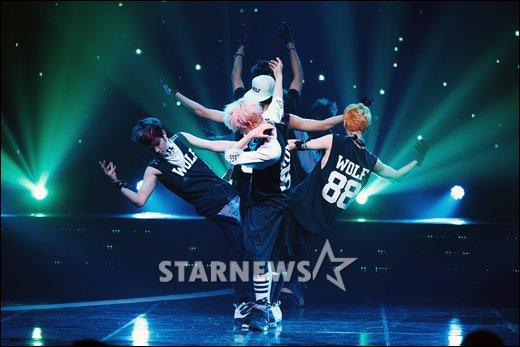 [★포토]EXO, 이보다 독특한 댄스는 없다!