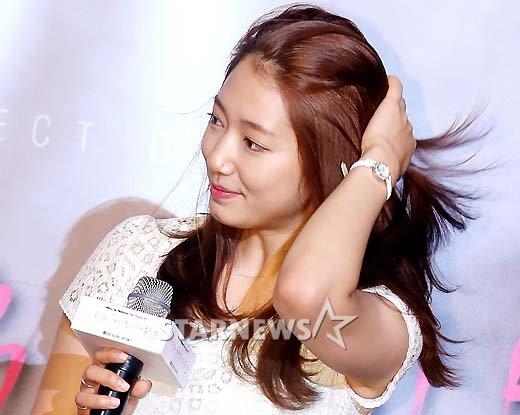 [★포토]박신혜, '사랑의 가위바위보' 사랑해주세요!