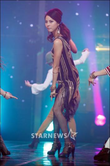 [★포토]박지윤, 독특한 컨셉의 무대의상!