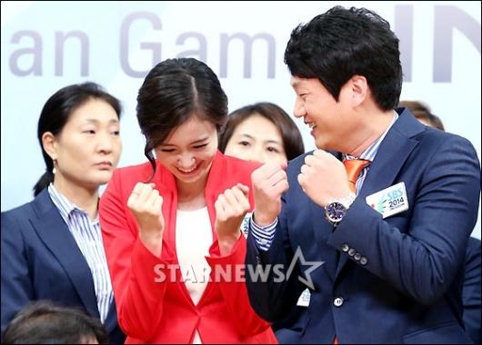 [★포토]장예원 아나, 대한민국 파이팅!