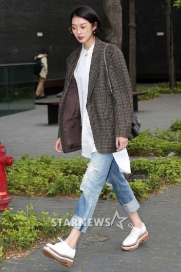 [★포토]강소영, 오버사이즈 자켓으로 완성한 패션