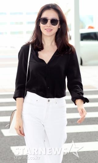 [★포토]손예진, '따라하고 싶은 심플 패션'