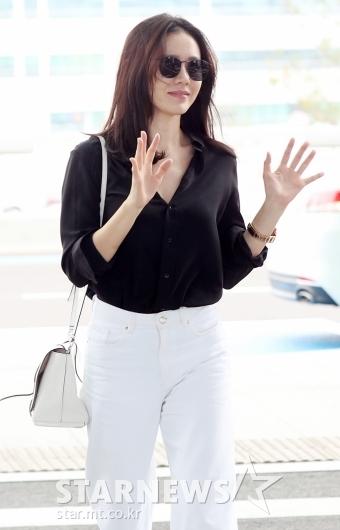 [★포토]손예진, '예쁜 손인사'