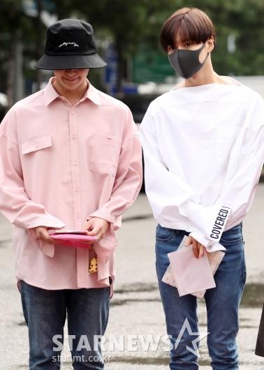 [★포토]온유-태민, '모자와 마스크는 필수'