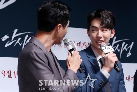 [★포토]조인성, '주혁아 너 잘한다'