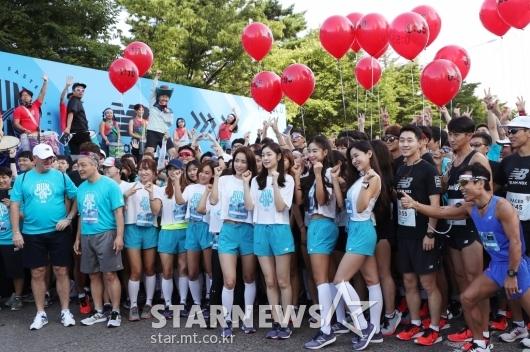 [★포토]김연아, '참가자들과 함께 달려요'