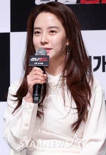 [★포토]송지효, '극 중 마동석의 예쁜 부인'