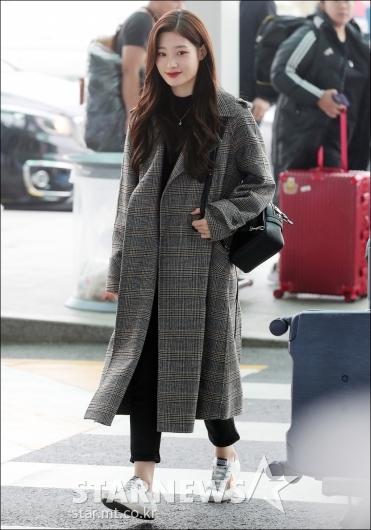 [★포토]정채연, '코트로 완성한 공항패션'