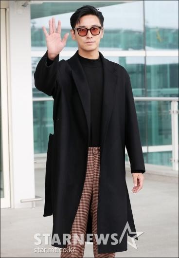 [★포토]주지훈, '오늘은 차사 패션'