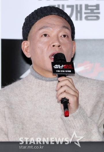 [★포토]박지환, '이렇게 보여도 극 중 26살'
