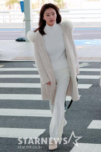 [★포토]송하윤 '공항에서도 여신 분위기'