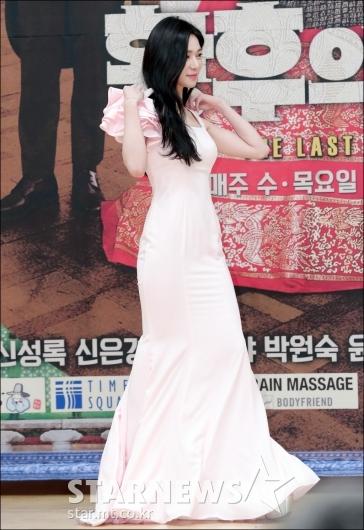 [★포토]이엘리야, '몸매 라인 드러낸 밀착 드레스'
