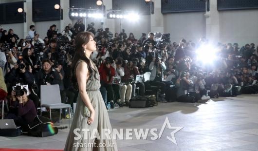 [★포토]수지, '시선집중'