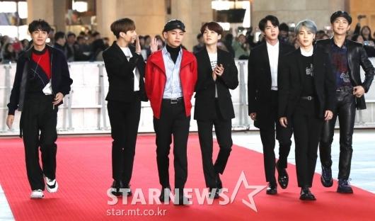 [★포토]'AAA' 참석한 방탄소년단