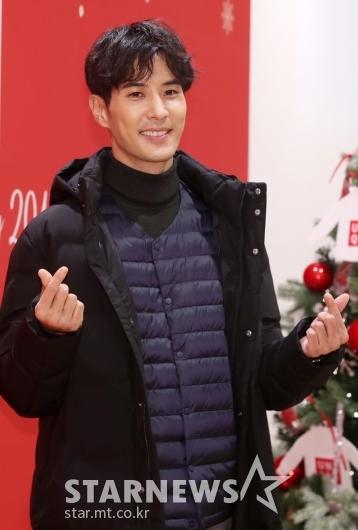[★포토]김지석, '톱스타 유백이의 심쿵 하트'