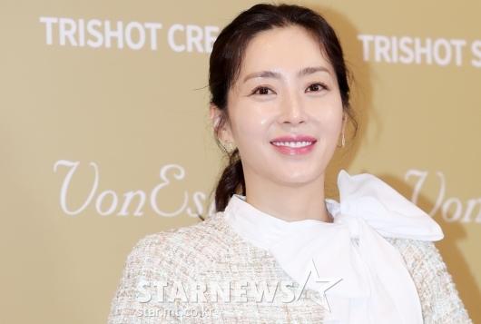 [★포토]송윤아, '우아함 가득 담긴 미모'
