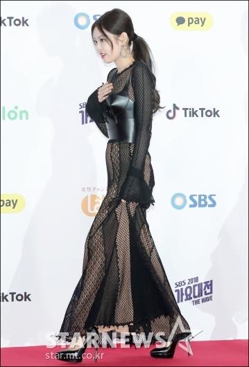 [★포토]제니, '깜짝 놀란 착시 시스루 패션'