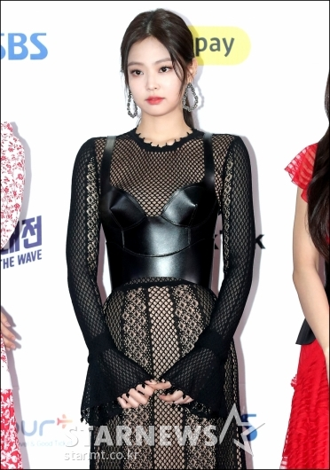 [★포토]제니, '파격적인 패션'