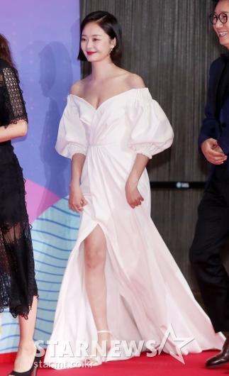 [★포토]전소민, '과감한 드레스 선택'